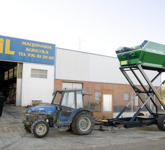 Remolque para recolección de almendra - Talleres Val